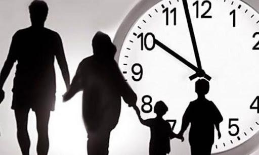 22:00! А ваша дитина вдома?